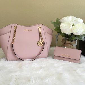 Sale❗️Michael Kors Large chain tote bag & wallet